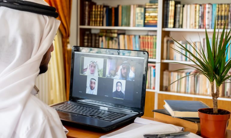 باللغة العربية دورات إفتراضية